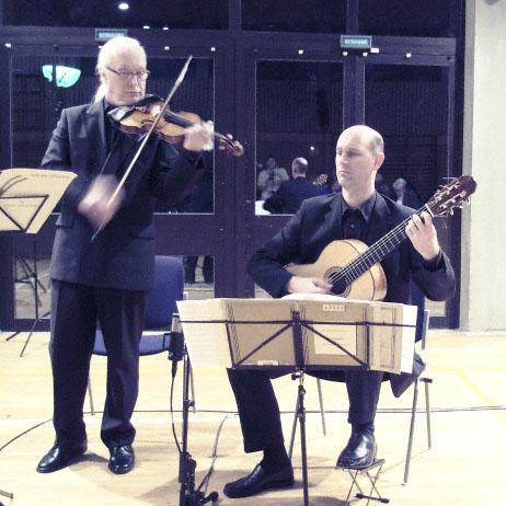 Roland Heuer - Violine, Stefan Koch-Roos - Gitarre